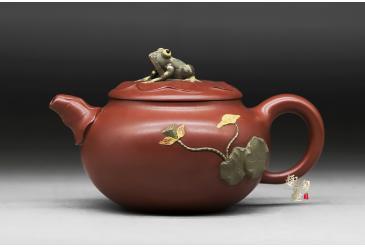 荷塘蛙趣-鲍玉华